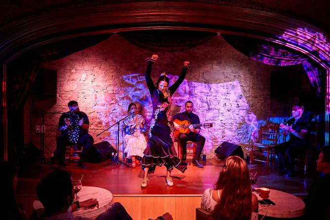 Skip the Line: Flamenco Show and Dinner Ticket