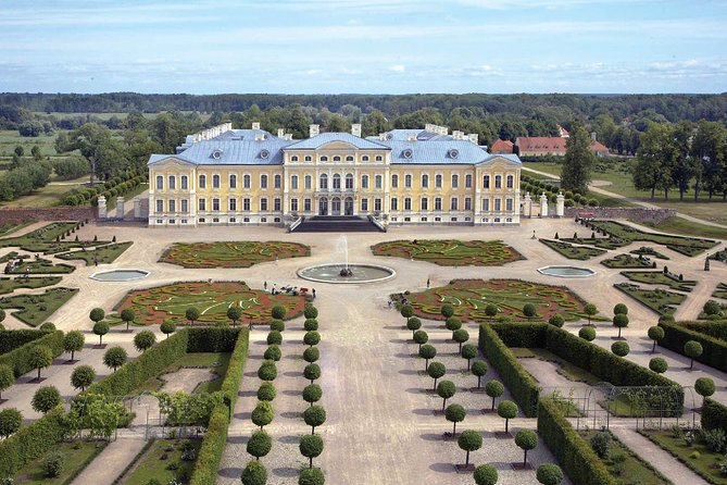 Private day trip to Rundale Palace, Hill of Crosses &more with Premium class van