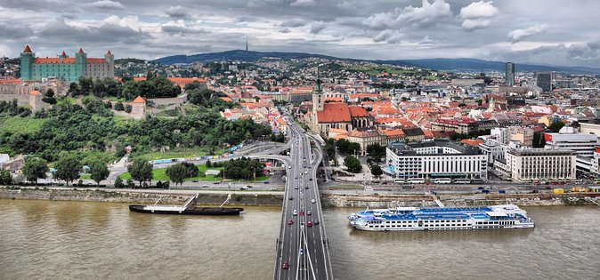 Tour Privado de Bratislava com Transporte e Guia Local de Viena