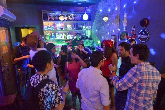 Singapore Pub Crawl and Nightlife Pass