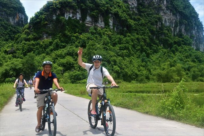 Deluxe Hoa Lu Tam Coc Ninh Binh Day trip new experience transfer by limousine