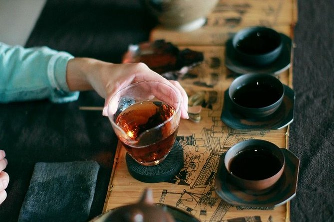 4-Hour Tea-tasting and Cha Guo Zi (茶果子)Experience Tour