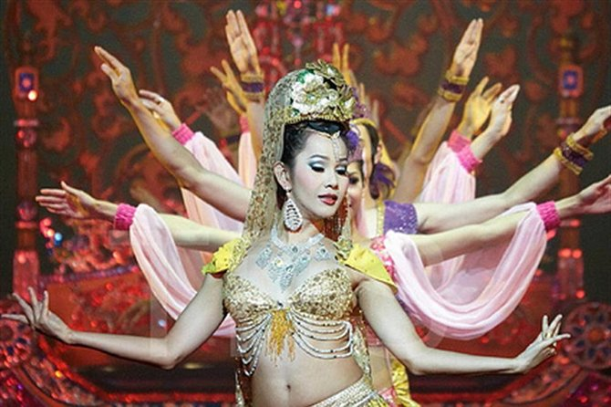 Alcazar Cabaret at Pattaya Admission Ticket with Return Transfer