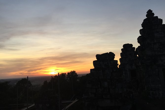 Private Angkor Wat Sunset Small tour