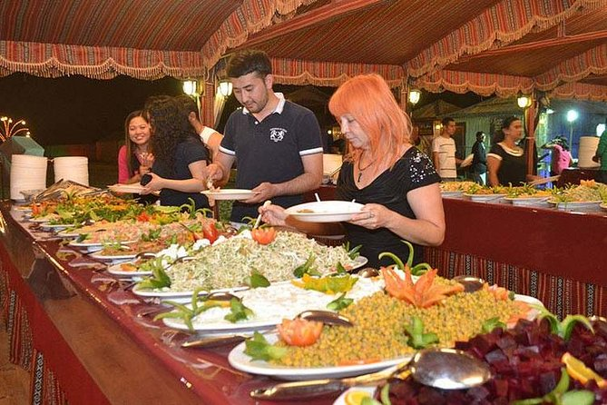 Desert Safari Dubai: BBQ-diner en live entertainmentshows