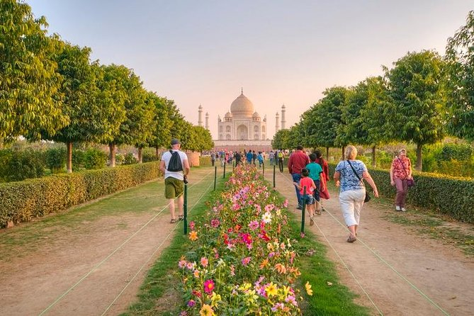 2-Day Taj Mahal Sunrise Tour from Mumbai by Round Trip Flights