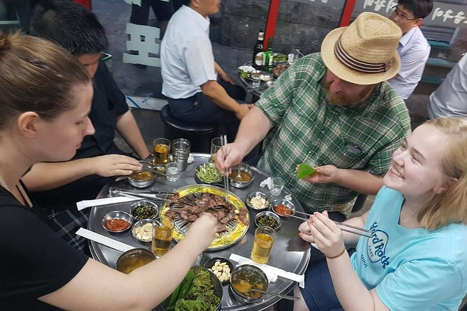 Una inmersiva experiencia coreana de barbacoas, mercados y bares secretos en Seúl