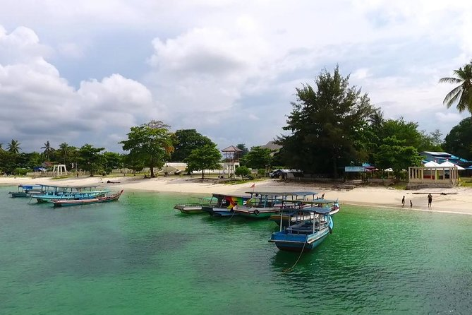 Belitung Island Adventure in the Seaside (Tanjung Tinggi & Kelayang Beach)