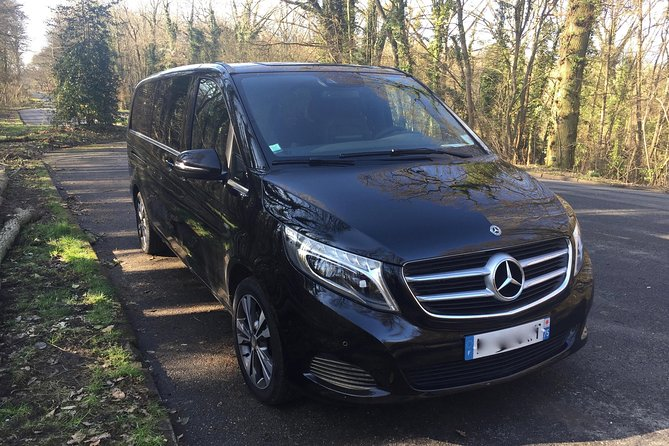 Private Van Transfer to or from Beauvais Tillé Airport