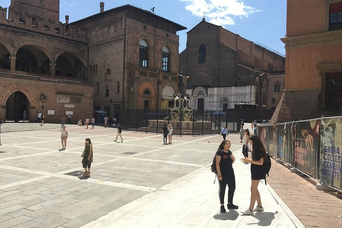 BOLOGNA. THE SECRET OF THE MERCANTE - Self-guided Treasure Hunt