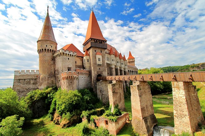Transylvania Tour from Budapest to Bucharest: 4 days photo 1