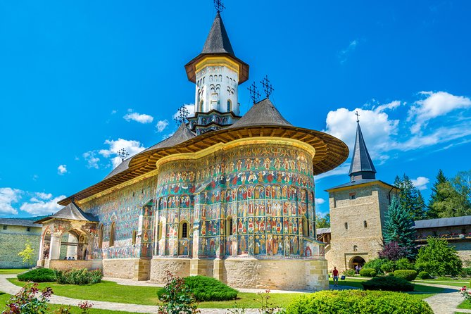 Transylvania and UNESCO Painted Monasteries from Budapest: 6 days tour