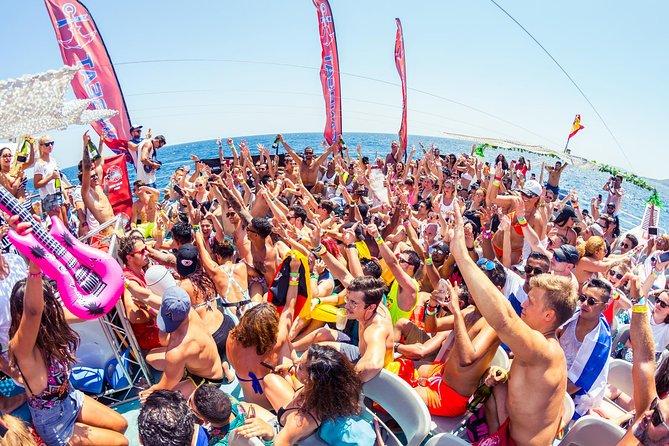 Festa de barco Oceanbeat com tudo incluso em Ibiza