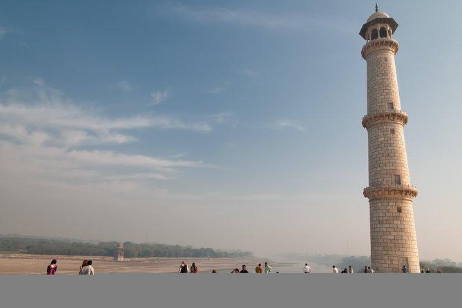 Taj Mahal Sunrise Tour from Delhi by Car