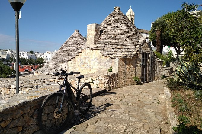 Ebike tours: Alberobello and the wines of Valle d'Itria Image