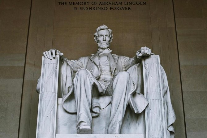 DC National Mall & Memorials Guided Walking Tour - Private Tour