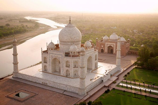 Day Trip To Agra From Kolkata With Air Tickets
