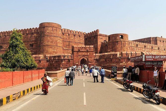 2 day trip to Agra from Pune without air tickets