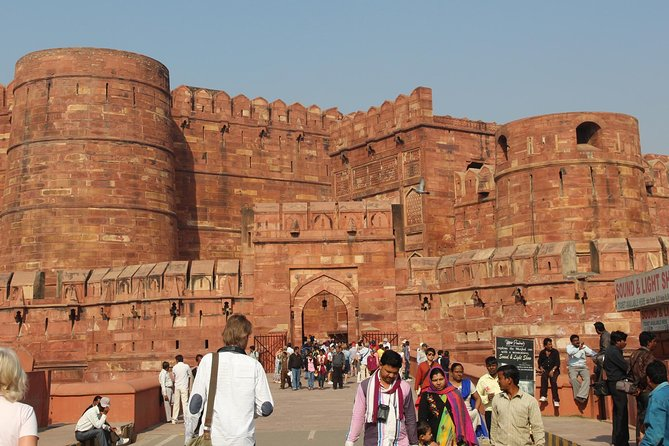 Day Trip To Agra From Mumbai With Air Tickets