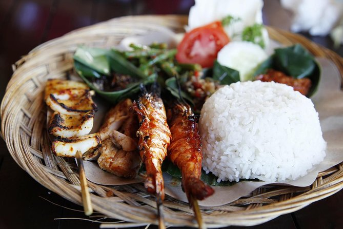 Bali Night Street Foodie Tour Like a Local (Meals Included)