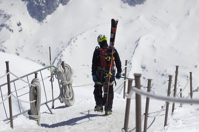 Chamonix Ski Day from Geneva with Optional Aiguille du Midi Cable Car Ride