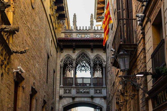 Gothic Quarter's deepest secrets & Sangria