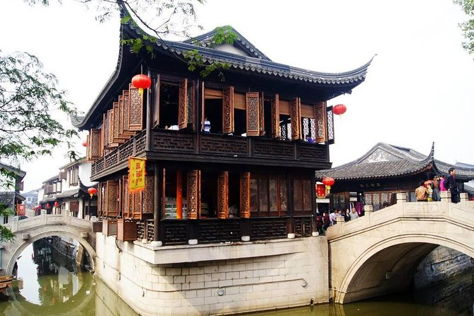 Private Shanghai Layover Tour to Nanxiang Ancient Town