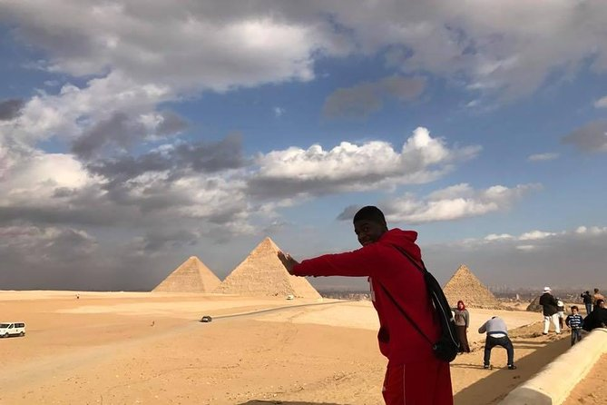 Layover Giza pyramids , Egyptian museum and local bazaars from Cairo airport