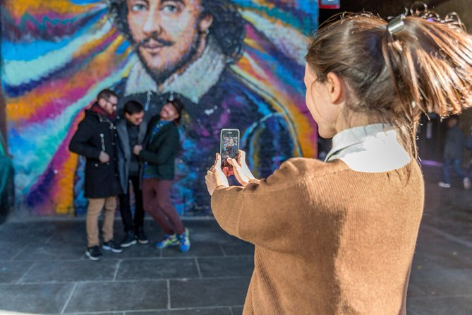 Urban Art and Tales of the East End - Private Tour