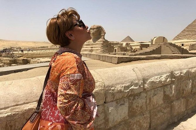 Private Tour To Pyramids of Giza Sphinx Valley Temple