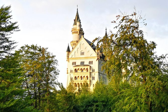 Private Mini Van Tour to Neuschwanstein Castle, Linderhof, Ettal & Oberammergau