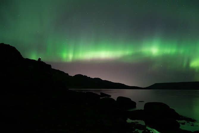 Northern Lights Minibus Tour from Reykjavik Including Free Photos