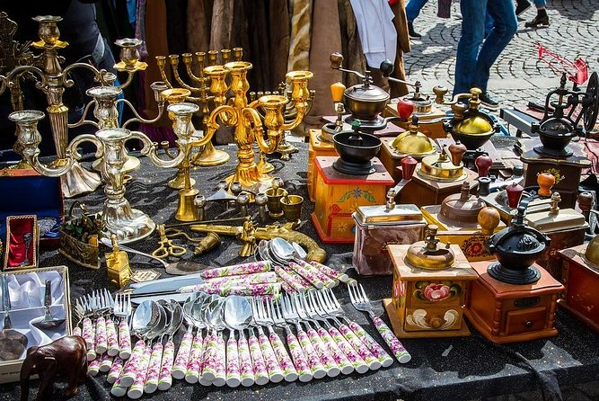 PARIS FLEA MARKET : The Ultimate Experience with a Local guide photo 1