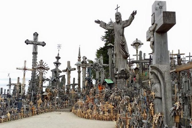 Private Day Trip from Vilnius to Riga: Hill of Crosses and Rundale Palace in Latvia