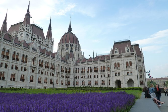Budapest Pest side tour: Days of Glory photo 6