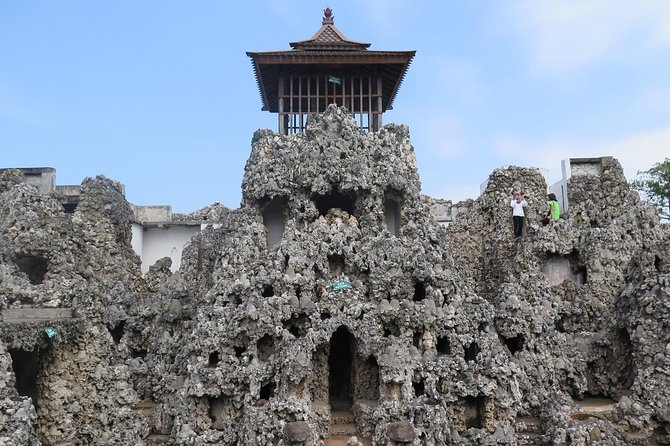 (Seat in Coach) Explore Cirebon One Day Tour