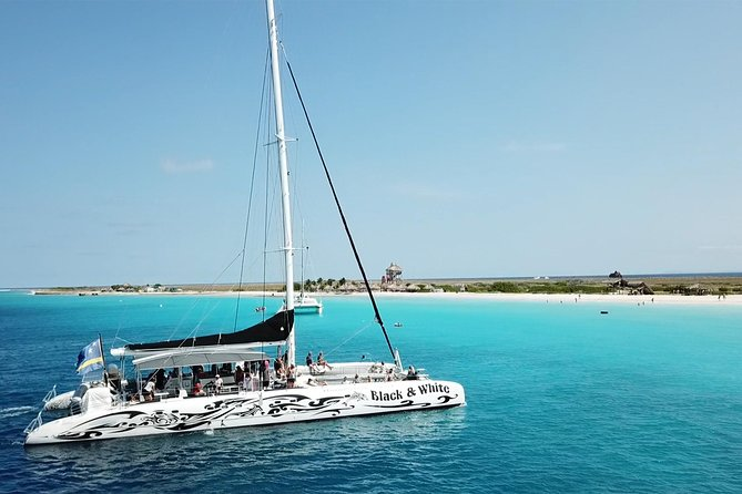 Klein Curacao with Sailing Catamaran BlueFinn