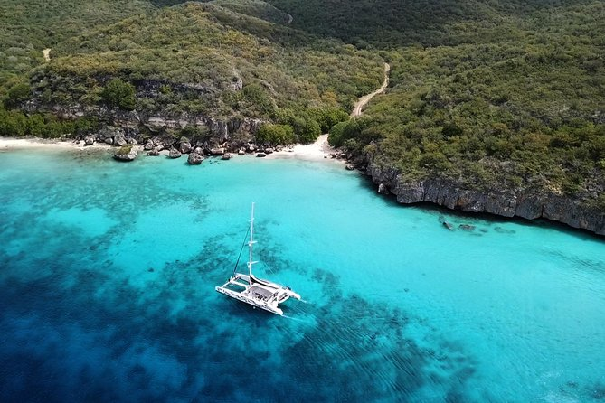 Sailing along the Curacao coast
