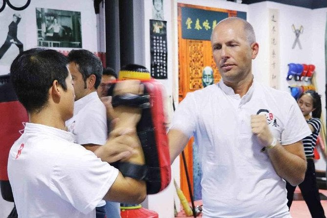 Guangzhou Folk Culture Tour and Special Experience: Kung Fu-Wing Chun Learning