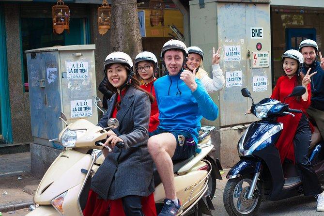 Half-Day Hanoi Foodie Tour by Motorbike