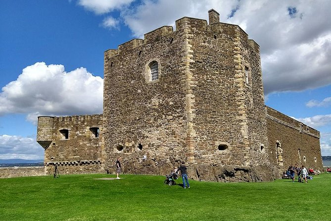 Five Scottish Castles Private Tour from Edinburgh