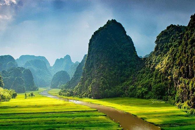 Hoa Lu & Tam Coc Day Trip