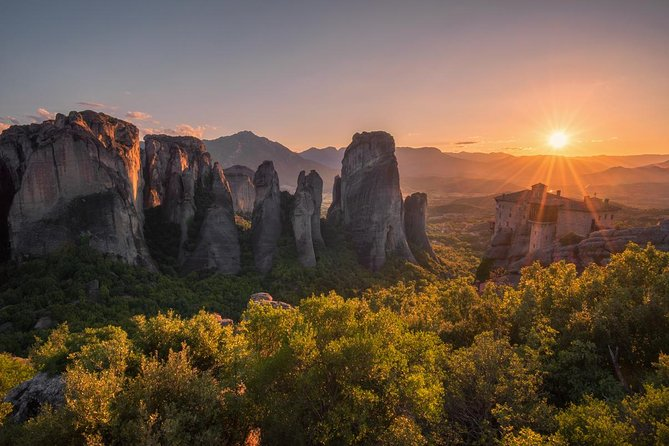 Delphi and Meteora 2 Days Small Group Tour From Athens