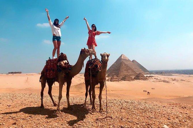Visite guidée d'une journée complète aux pyramides de Gizeh Sphinx Coptic Old Cairo et Khan el-Khalili Bazaar