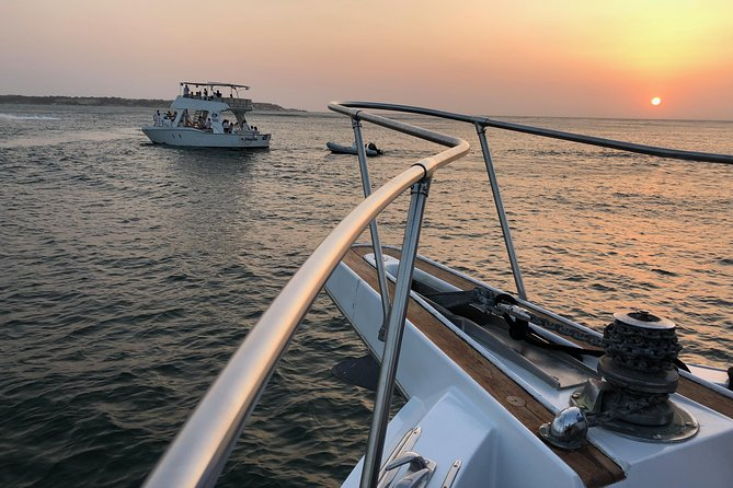 Hin- und Rückfahrt bei Sonnenuntergang in der Cartagena-Bucht