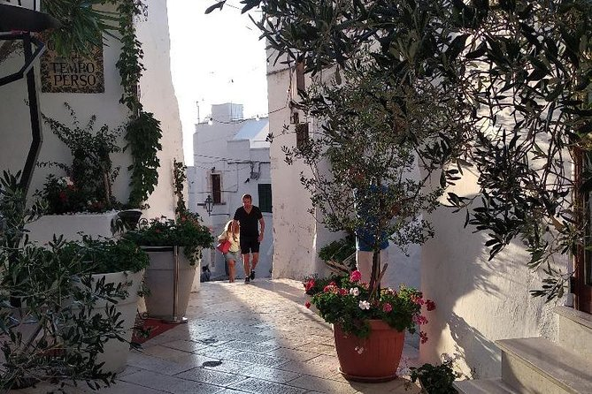 Private guided tour in Ostuni: exploring the panoramic historical centre