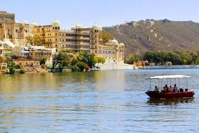 Jagmandir Island And Sunset Boat Ride On Lake Pichola, Udaipur Without Guide