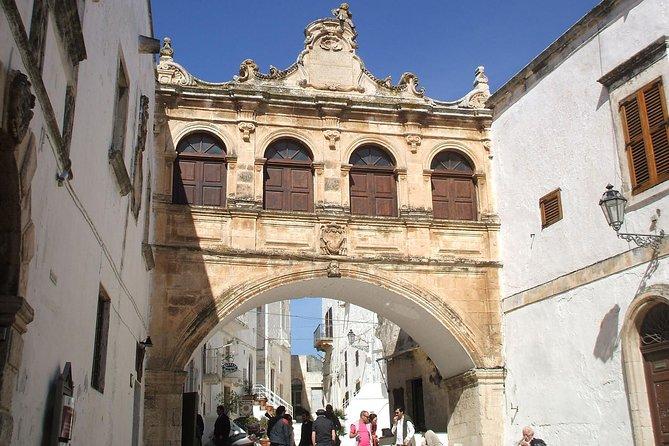 Ostuni private tour: Beautiful old white town