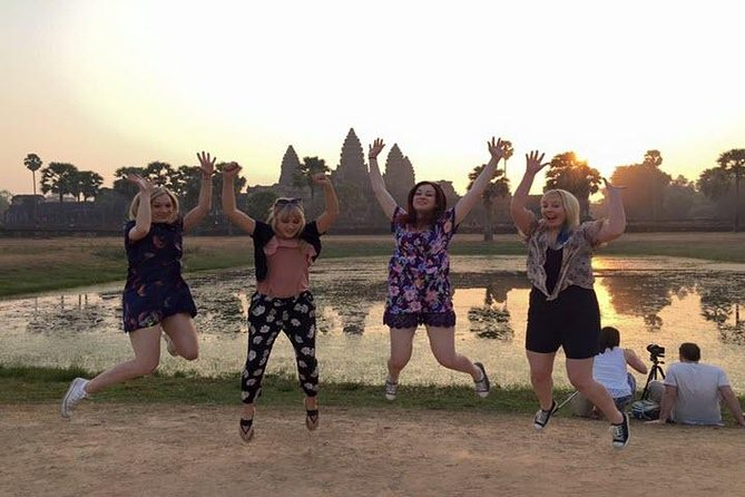 Explore Angkor Wat Full Day from Sunrise-Small Group