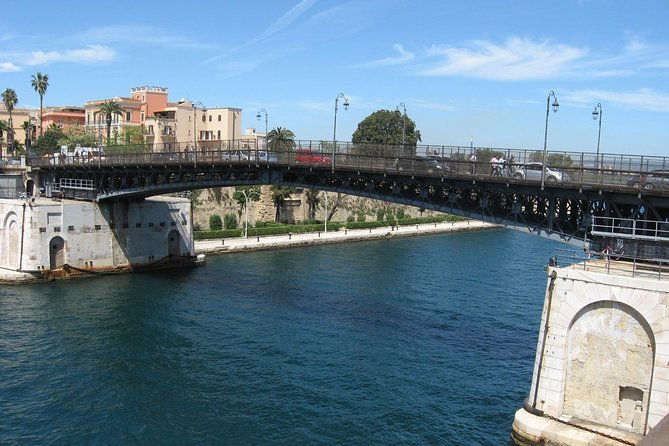 Taranto walking tour: the town of the two seas photo 3